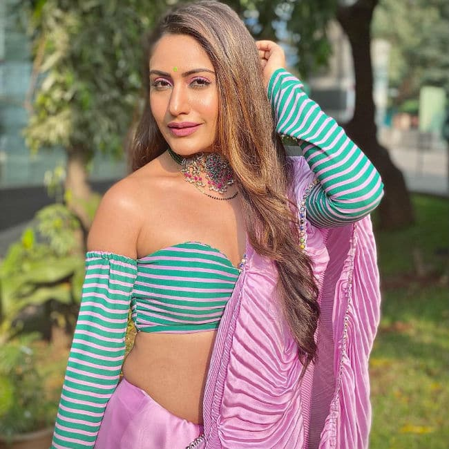 Surbhi Chandna sizzles in a saree once again