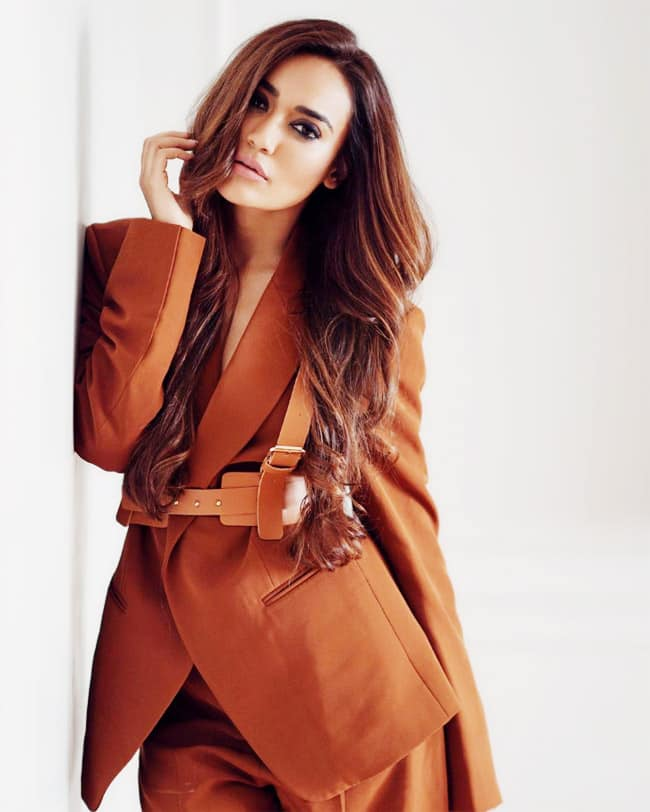 Surbhi Jyoti stuns her fans with her latest photoshoot