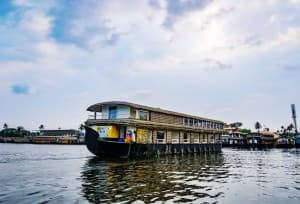 8 Reasons to Visit Alappuzha Backwaters