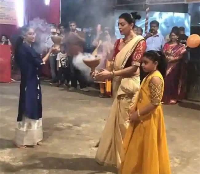 Sushmita Sen Celebrates Durga Puja With Her Daughters