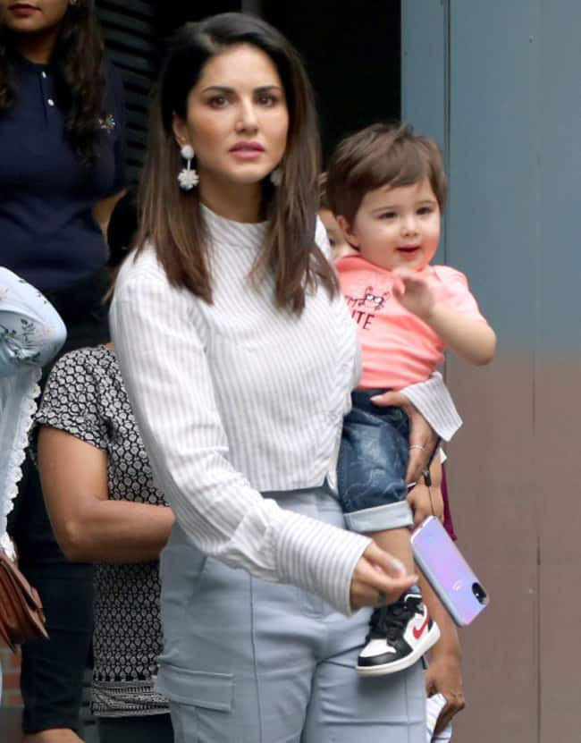 Taimur Ali Khan gets compared with Sunny Leone   s son