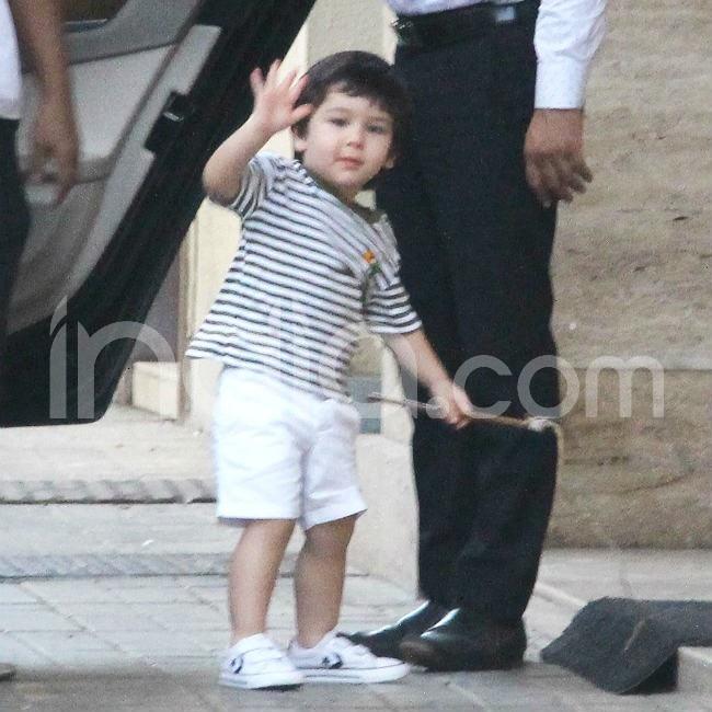 Taimur Ali Khan s cute pose