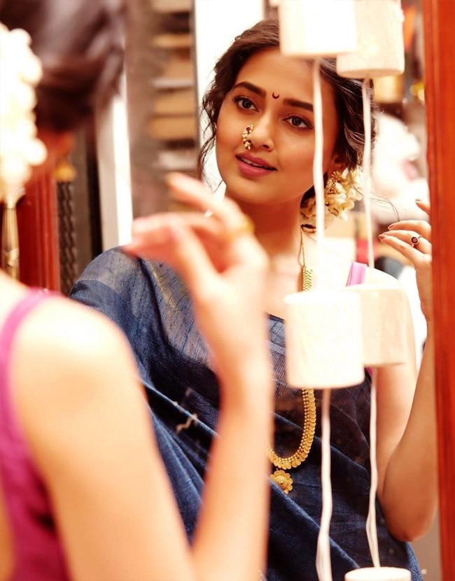 Tejasswi Prakash's nath looks beautiful