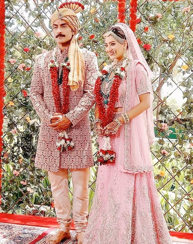 This is how Kavya is dressed for her marriage with Vanraj