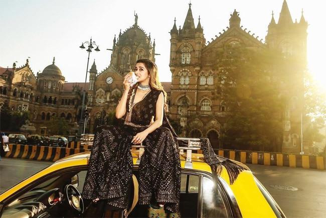 Tina Datta Turns Into Mumbai Tour Guide