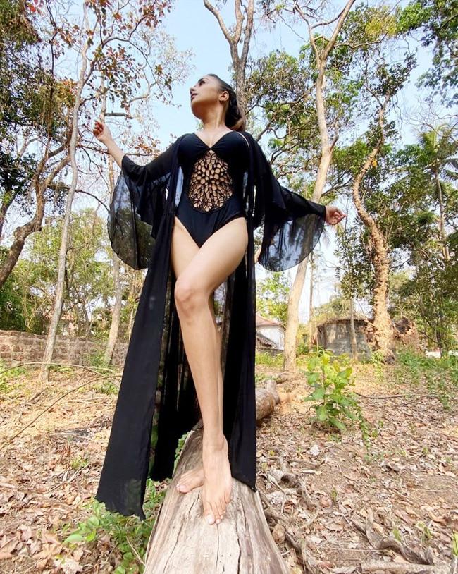 Tina Datta s latest viral pictures in a bikini