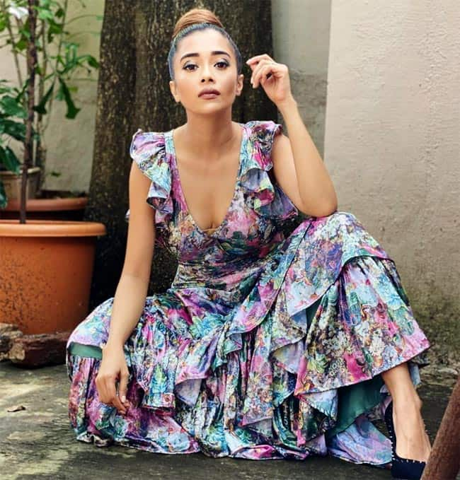 Tinaa Dattaa   s Summery Look in Long Floral Dress Will Leave You Gasping For Breathe
