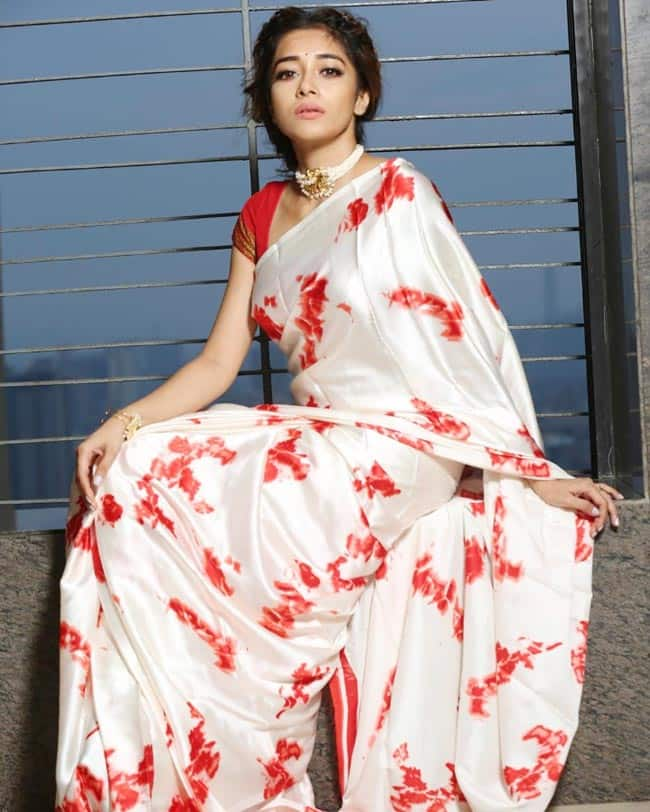 Tinaa Dattaa   s White Red Saree Look is For All Saree Lovers