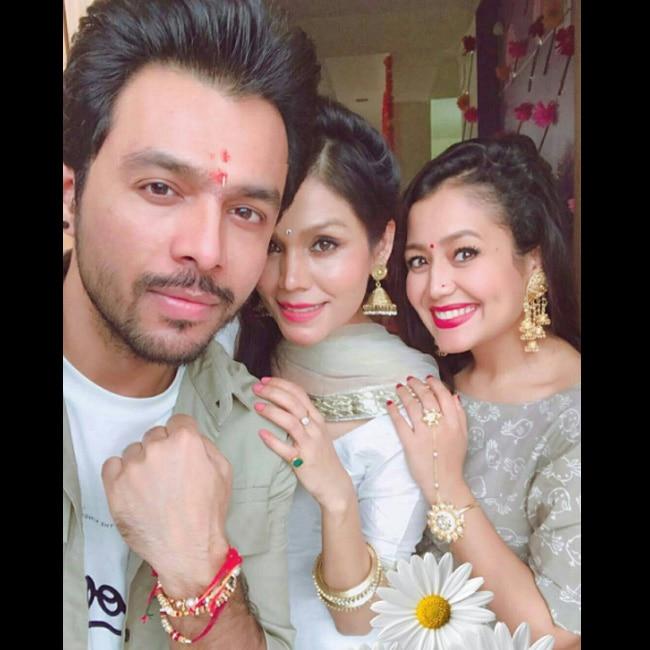 Tony Kakkar with sisters Neha Kakkar and Sonu Kakkar on Raksha Bandhan