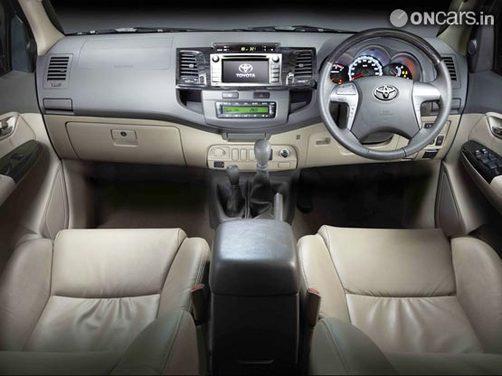 Toyota Fortuner 2012 Interior Img2 Toyota Fortuner 2012 Interior