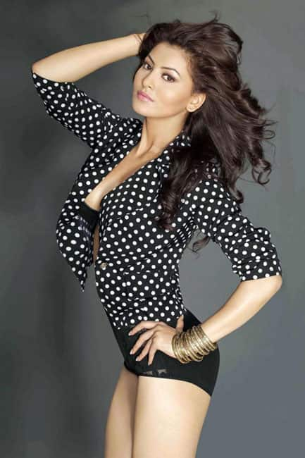 Urvashi Rautela flaunting super hot legs