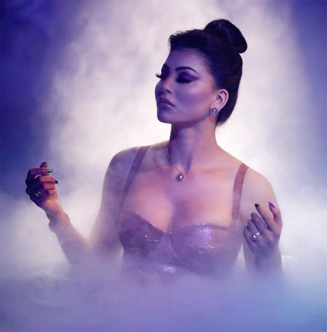 Urvashi Rautela Hot and Sexy Photos 2021
