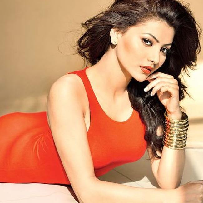Urvashi Rautela is red hot in HD shoot