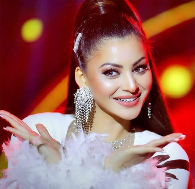 Urvashi Rautela looks gorgeous in Indian wear