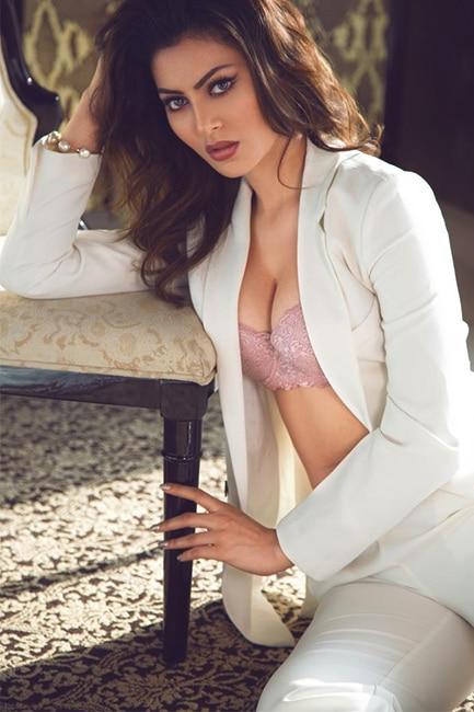 Urvashi Rautela poses for a seductive picture