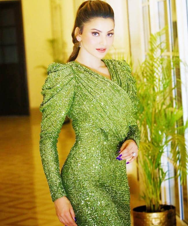 Urvashi Rautela Stunned Fans in a Green Shimmery Number