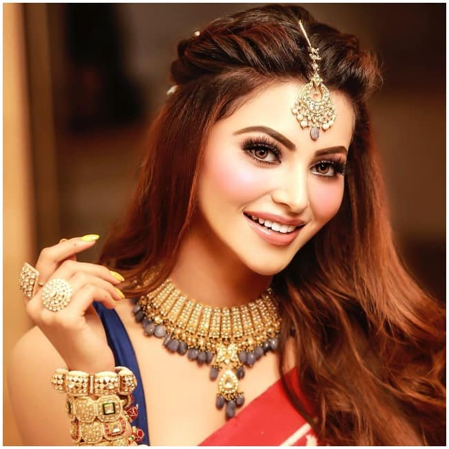 Urvashi Rautela s latest saree avatar is not for the faint hearted