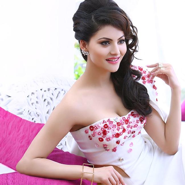 Urvashi Rautela   s super hot HD picture