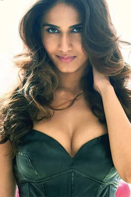 Vaani Kapoor flaunts her cleavage in this picture