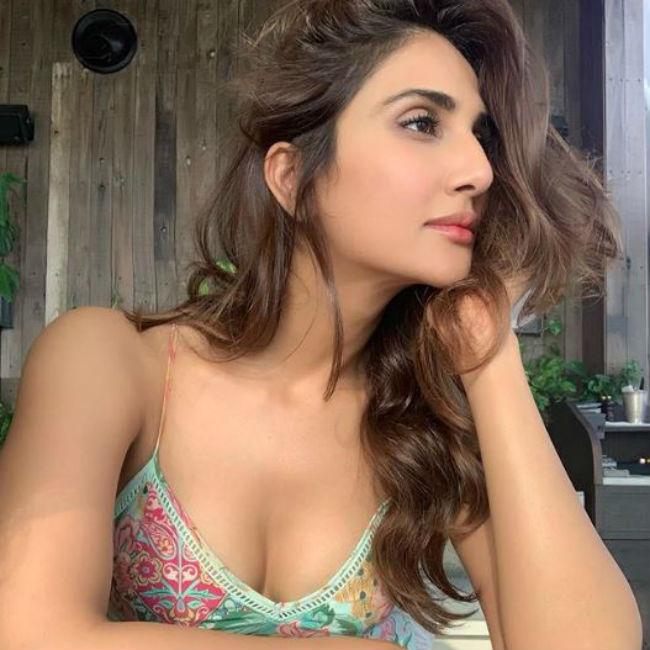 Vaani Kapoor looks hot and sexy