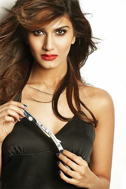 Vaani Kapoor sizzles in this picture