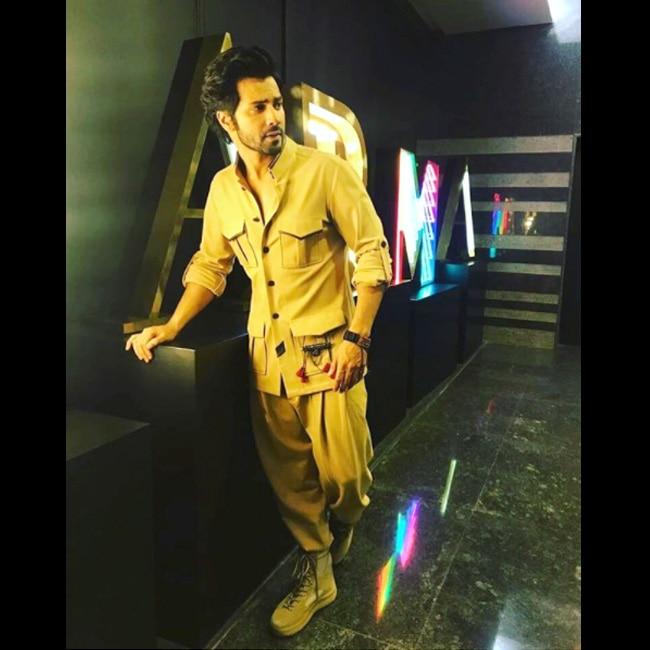 Varun Dhawan won the Most Stylish Youth Icon  male  award