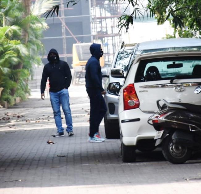 Varun Dhawan   s Leaves For Alibaug