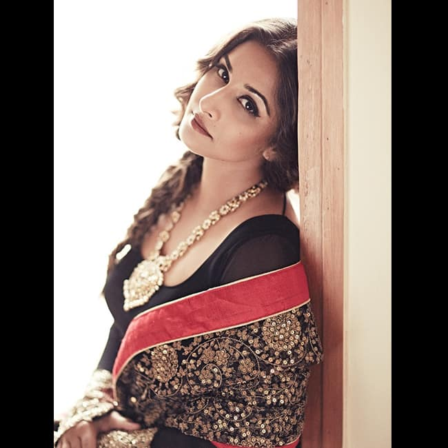 Vidya Balan Flaunts Her Hot Cleavage In Sexy Lack Outfit-1755