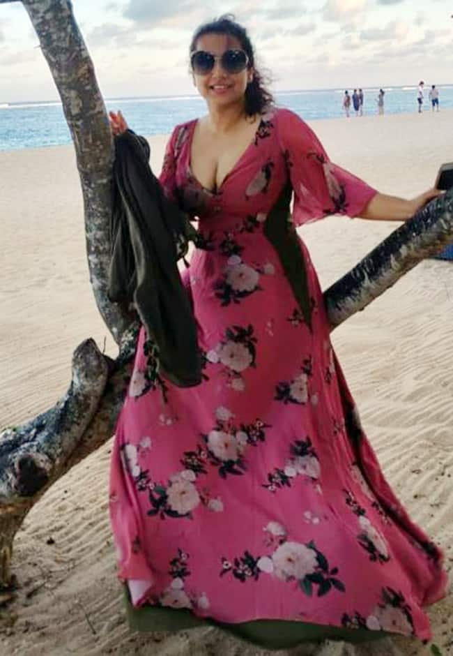 Vidya Balan looks hot in a sexy floral pink long dress