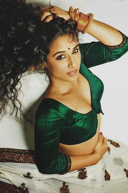 Vidya Balan looks super sexy in saree shoot