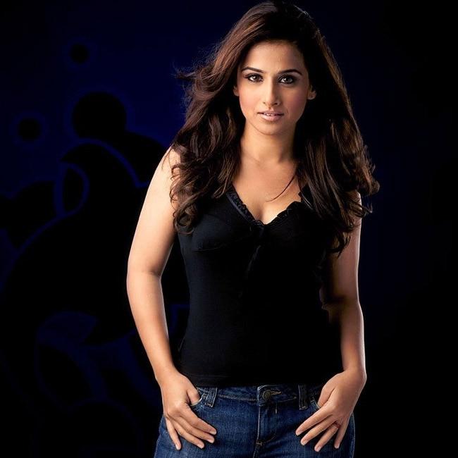Vidya Balan poses seductive for a hot shoot