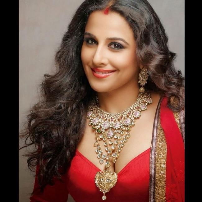 Vidya Balan posing for a seductive hot shoot