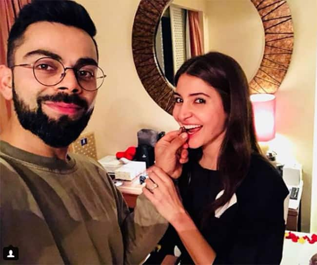 Virat Kohli celebrating Anushka Sharma   s birthday