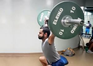Virat Kohli lifts heavy weights