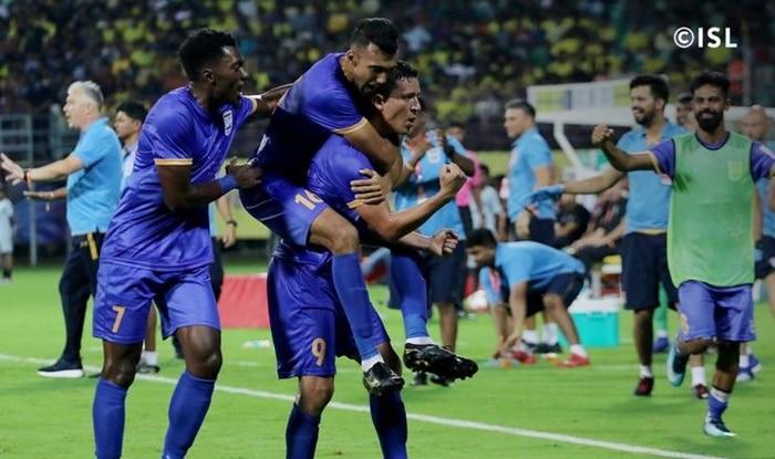 With love from Tunisia    Chermiti stuns Kerala crowd