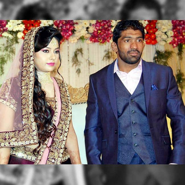 Wrestler Yogeshwar Dutt posing with Sheetal Sharma during engagement ceremony