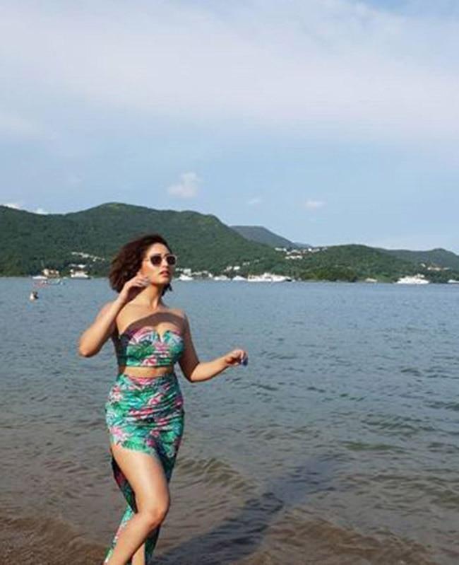 Yami Gautam Stuns Like a True Fashionista in Hong Kong