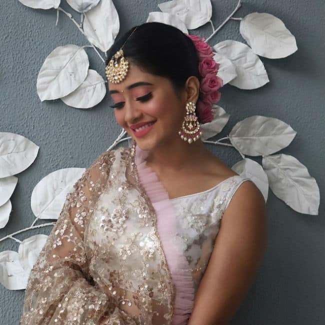 Yeh Rishta Kya Kehlata Hai Fame Shivangi Joshi Goes Ethereal in Gorgeous Lehenga Look
