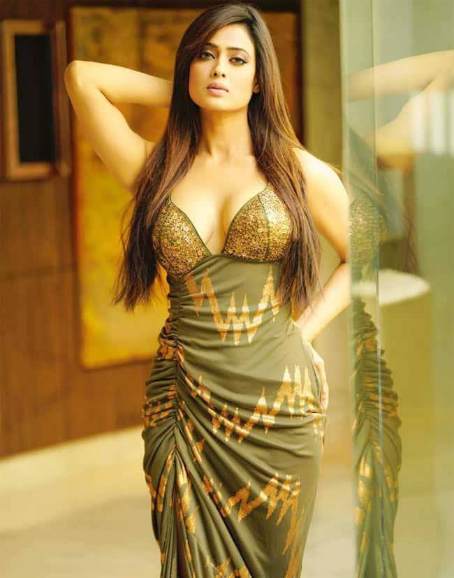 you wont believe that shweta tiwari is maintaining this sexy figure at 40 202103 1615797453