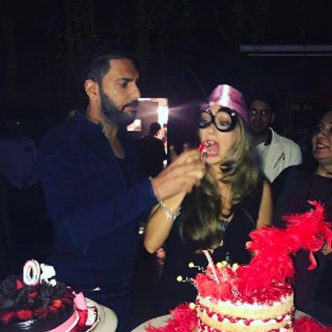 Yuvraj Singh celebrating wife Hazel Keech   s birthday