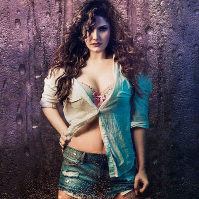 Zarine Khan poses for a hot picture | Zarine Khan hot and