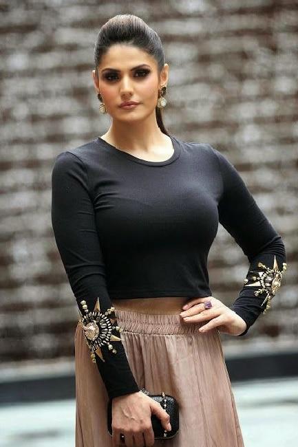 Zarine Khan flaunts her midriff during ultra bold HD shoot