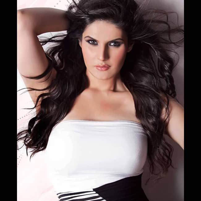 Zarine Khan looks super sexy in this picture | Zarine Khan