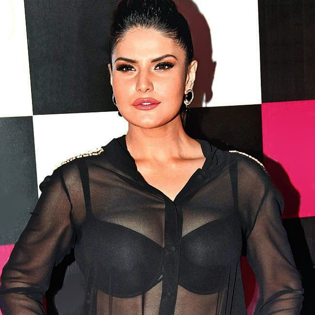 Zarine Khan looks super sexy in this picture