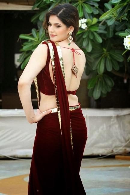 Zarine Khan showing off her hot back